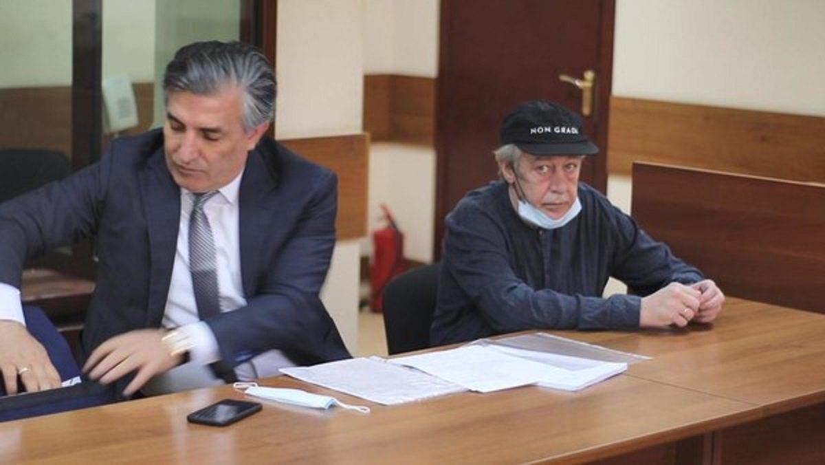 Суд приговорил Михаил Ефремова к 8 годам колонии за смертельное ДТП