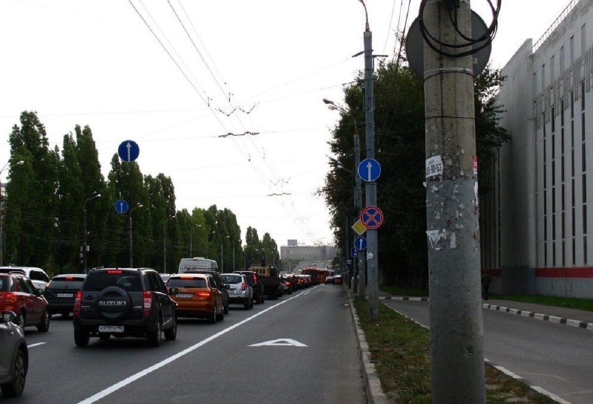 Полоса для общественного транспорта появилась на Московском шоссе