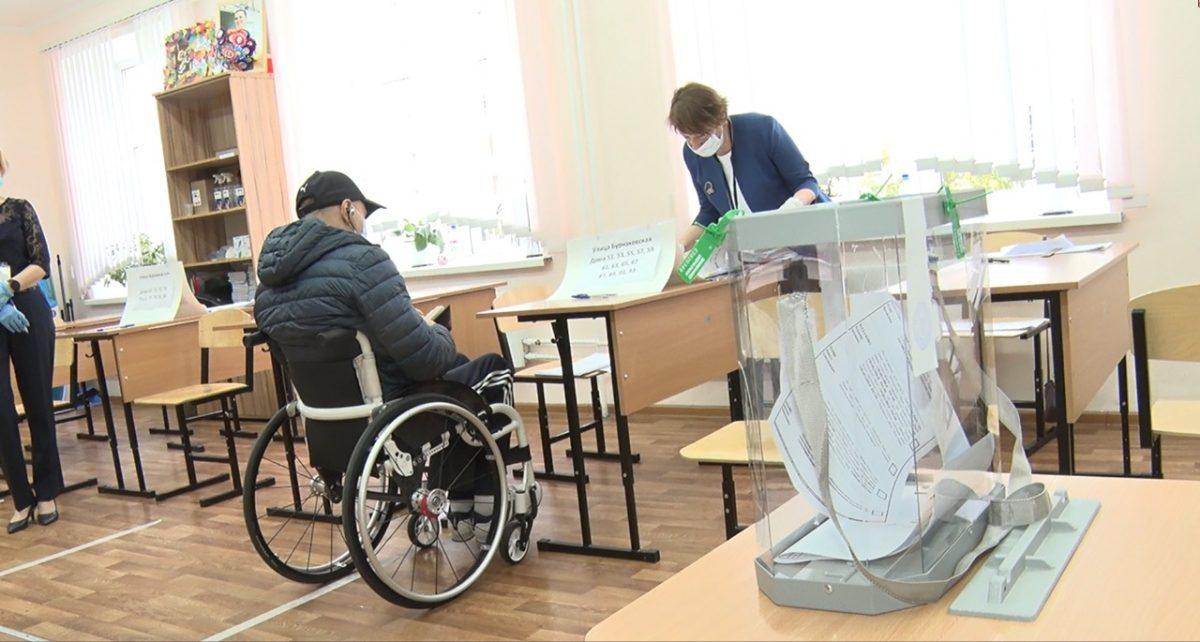 Нижегородским инвалидам-колясочникам предоставляют спецтранспорт для поездки на избирательный участок