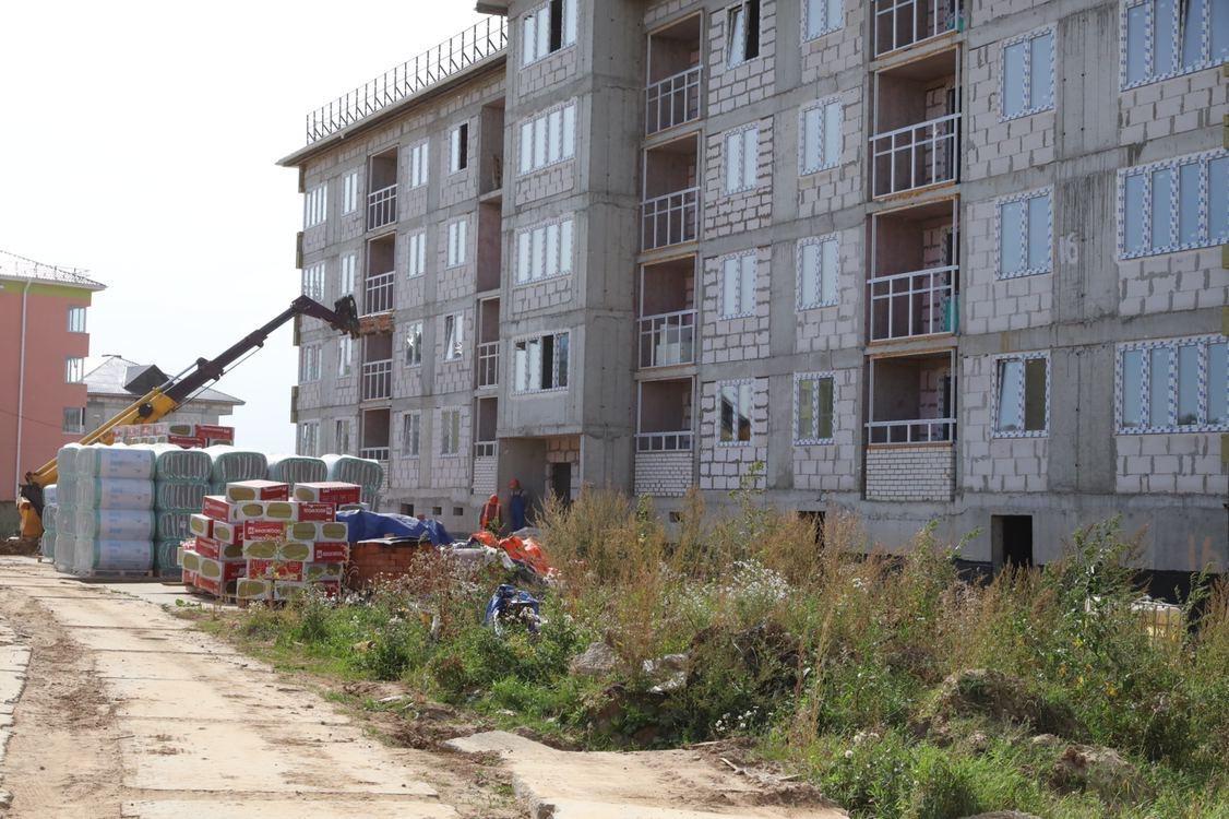 Два дома «Новинки Smart City» готовят к сдаче: смотрим, как идут работы
