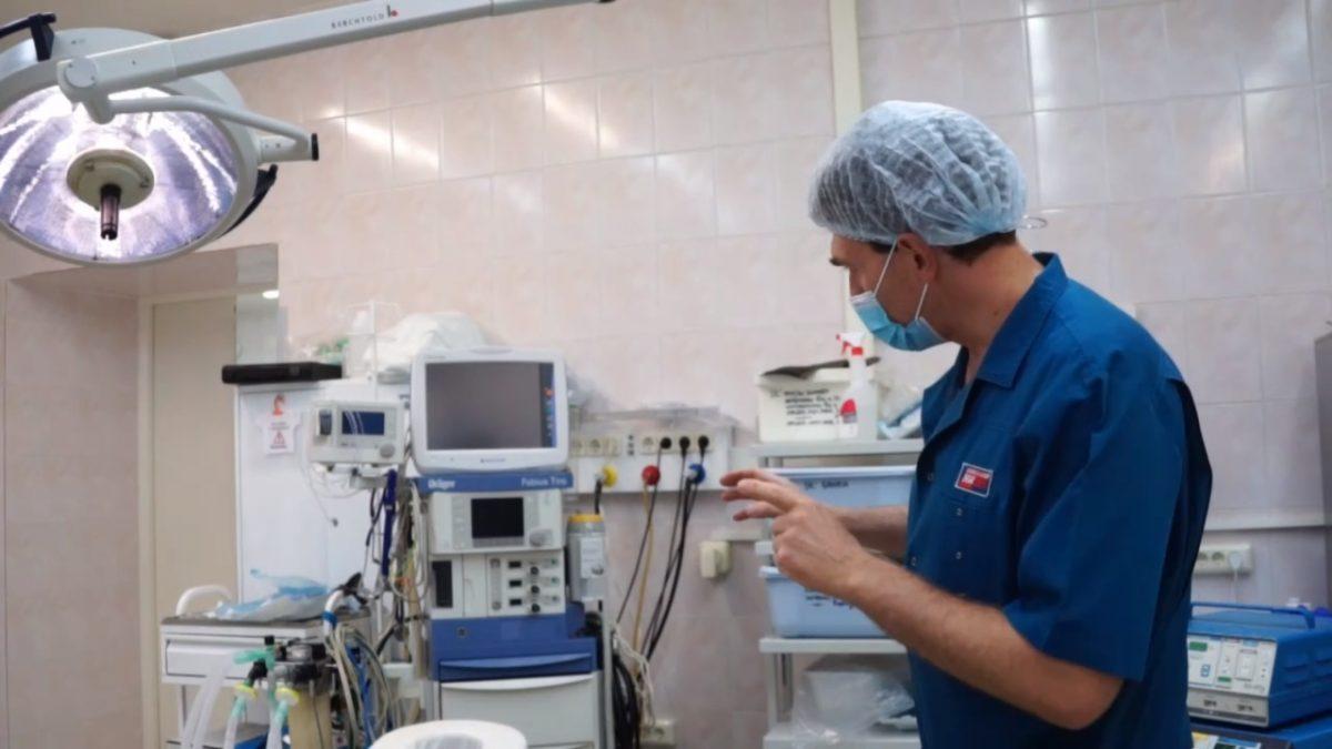 Нижегородцам показали операционную глазами врача
