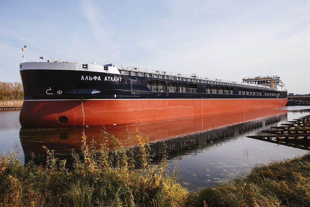 Судостроительный завод «Красное Сормово» спустил на воду сухогруз проекта RSD59 «Альфа Атлант»