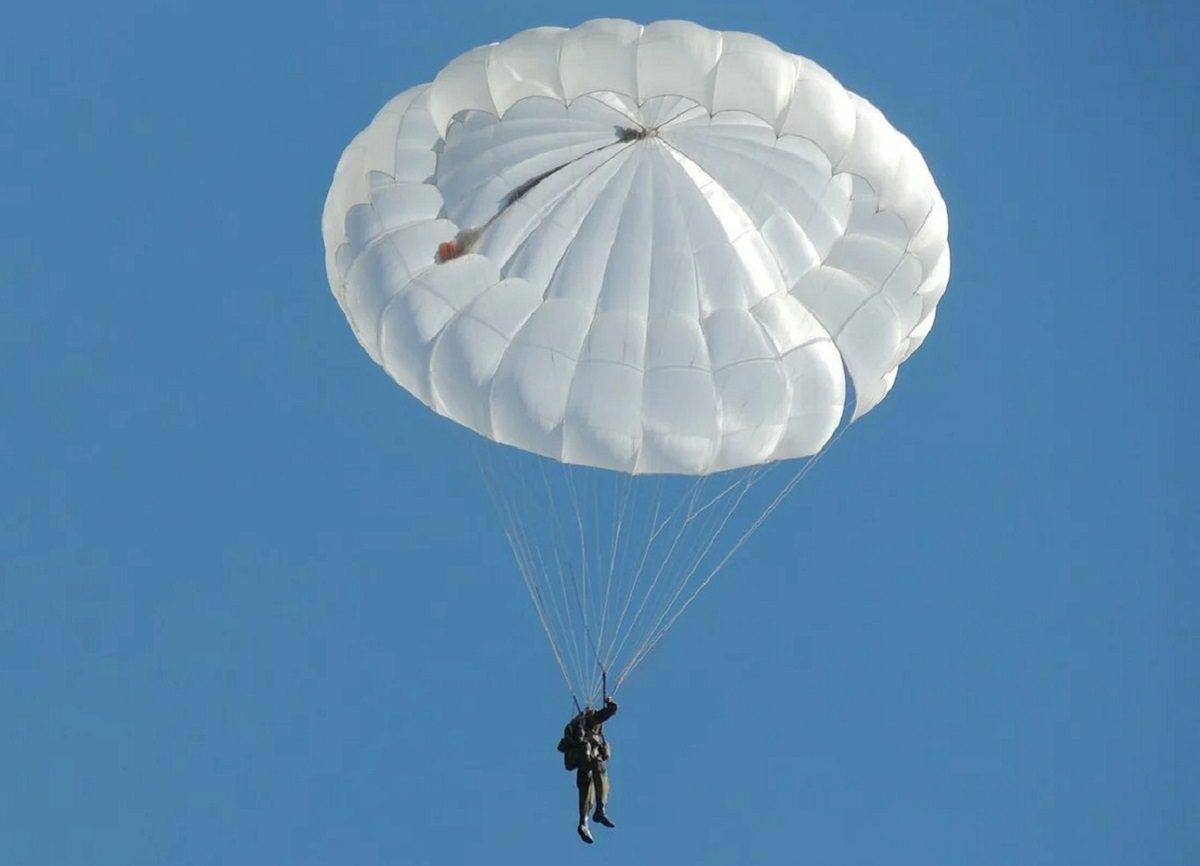 На бывшего директора саровского авиационно-спортивного клуба завели уголовное дело из-за просроченных парашютов