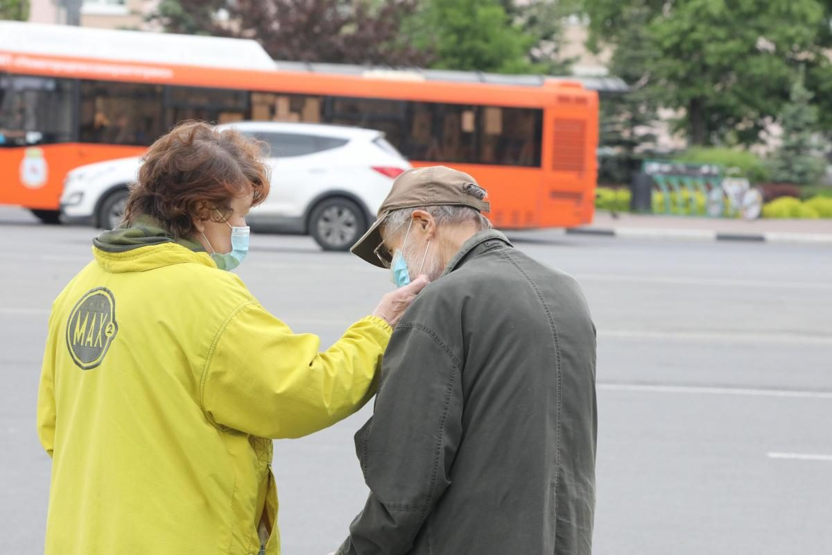 Роспотребнадзор подготовил рекомендации для людей старше 60 лет, как снизить риски заражения COVID-19