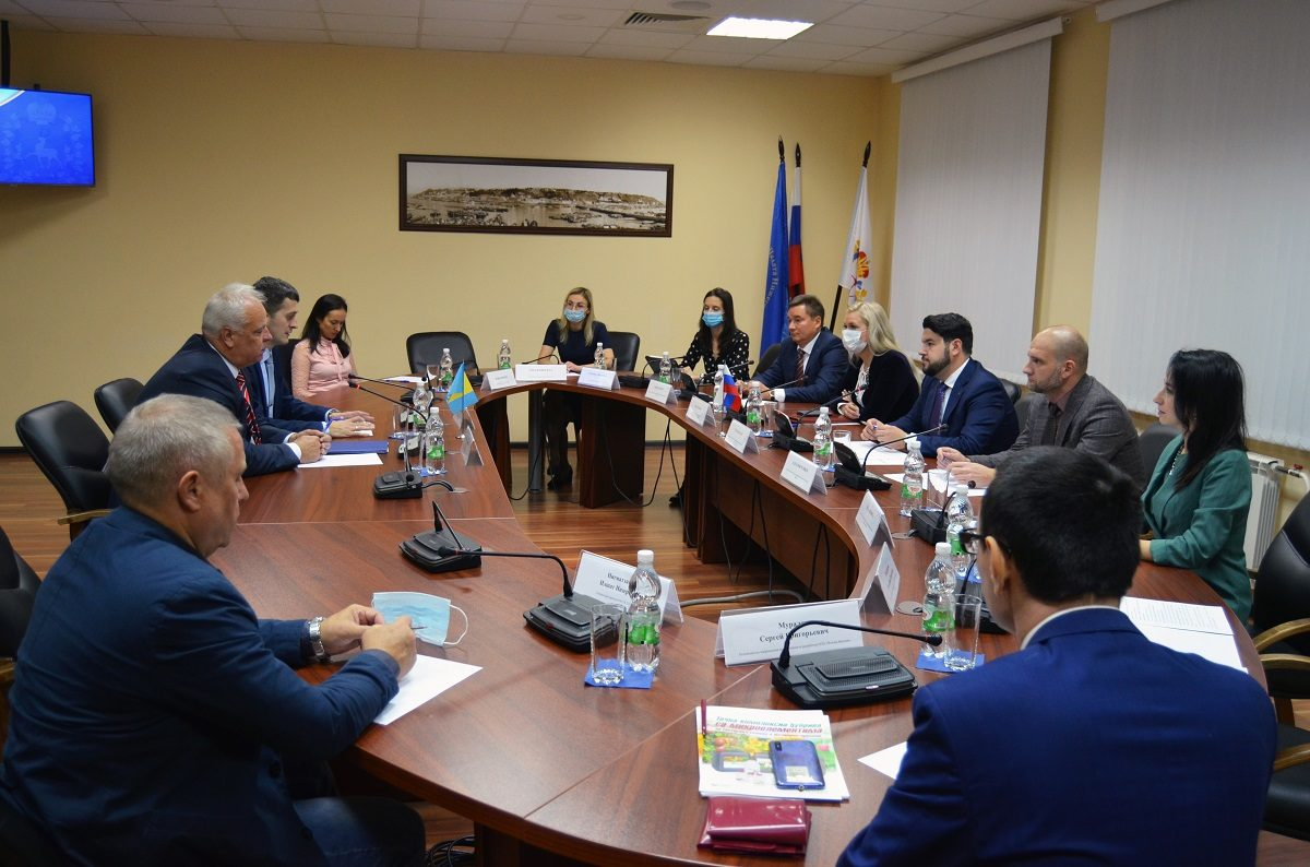 Посол Боснии иГерцеговины вРоссии обсудил снижегородскими производителями возможности выхода назарубежные рынки