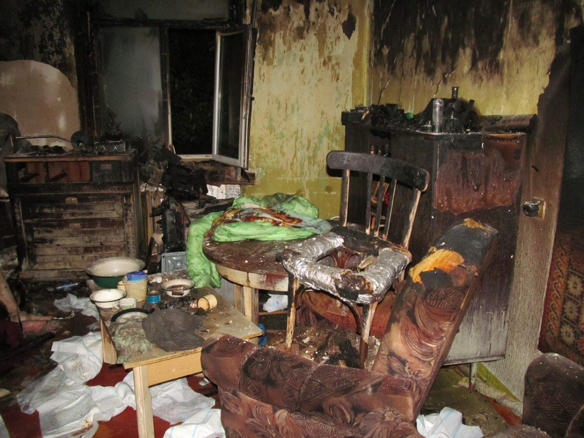 Два пенсионера погибли на пожаре в квартире в Автозаводском районе