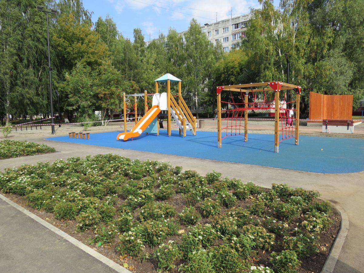 Детский игровой комплекс, спортивная площадка и дог-диспенсеры появятся в микрорайоне «Красны Зори»