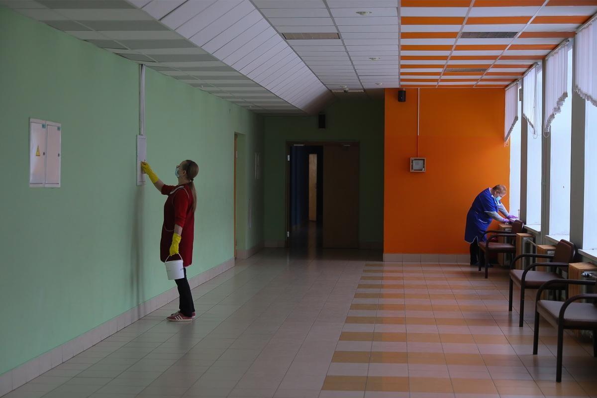 В четырех школах Нижнего Новгорода и одной в Арзамасе выявили коронавирус