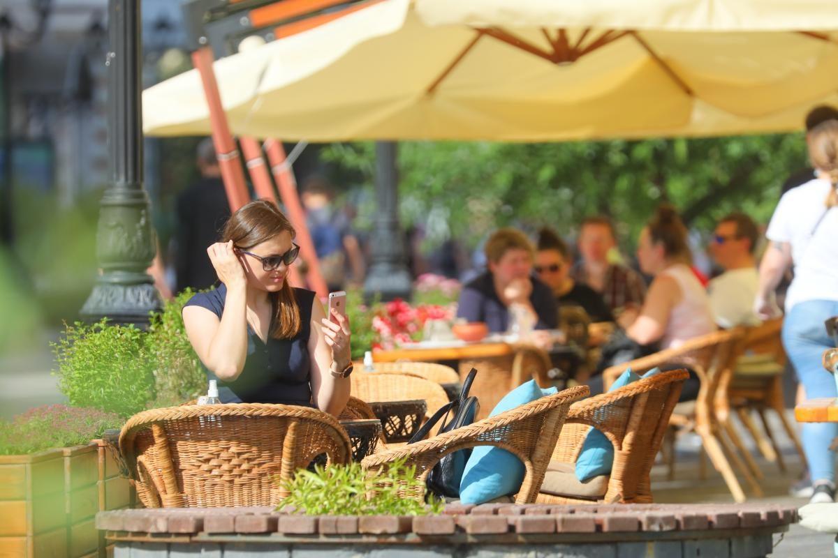 Малый и средний бизнес освободили от оплаты за размещение летних веранд