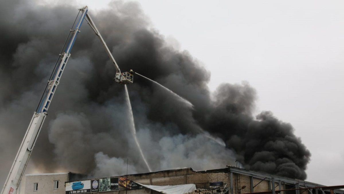 Опубликовано видео пожара с высоты птичьего полета на складе в Сормовском районе