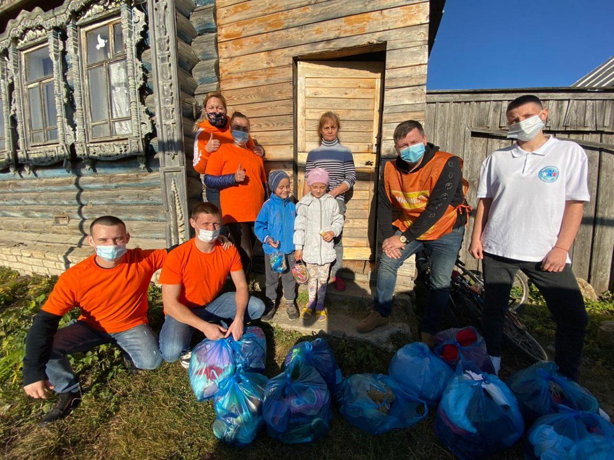 Волонтёры #МыВместе помогают пожилым нижегородцам и семьям с детьми