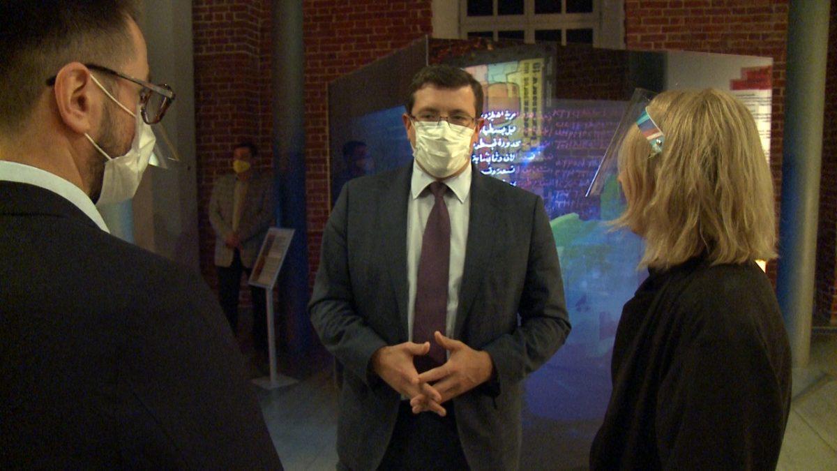 Глеб Никитин посетил техно-арт-выставку «Инжиниринг как искусство»