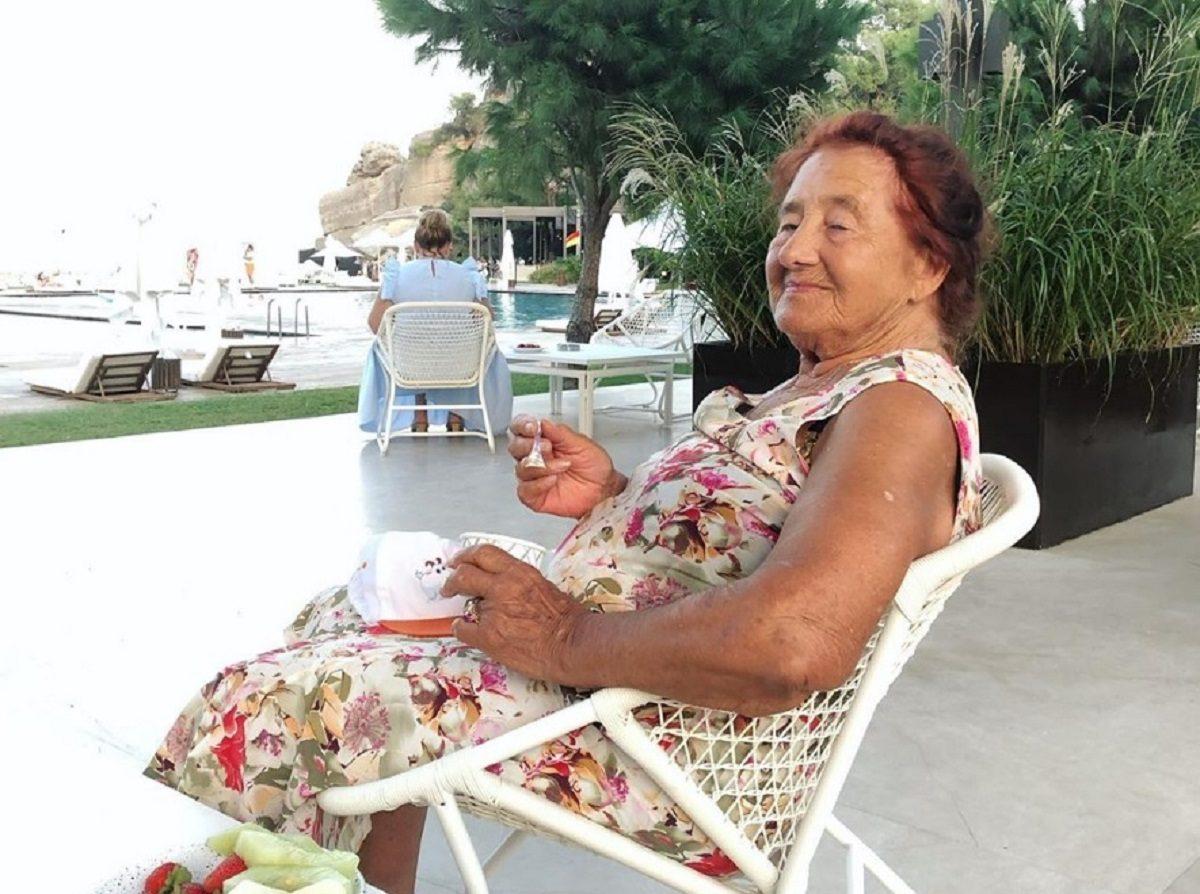 «Мечта сбылась»: 90-летняя бабушка Натальи Водяновой увидела море