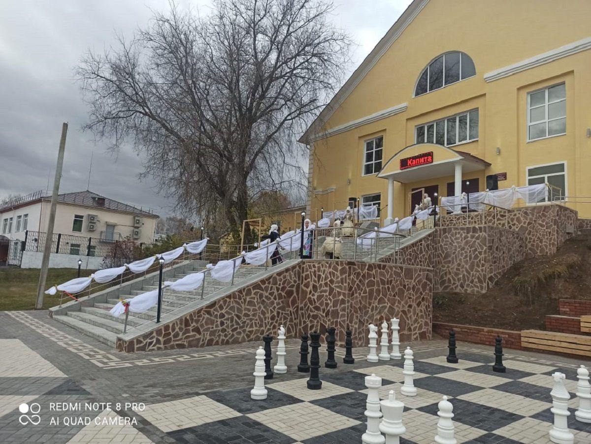 ВДальнем Константинове после благоустройства открыли площадь Театральную