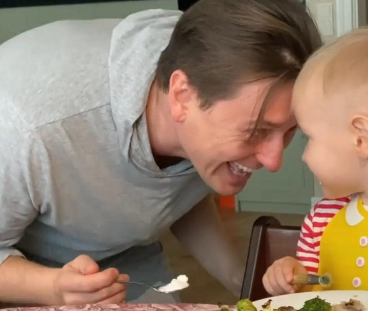Сергей Безруков показал восхитительный семейный завтрак