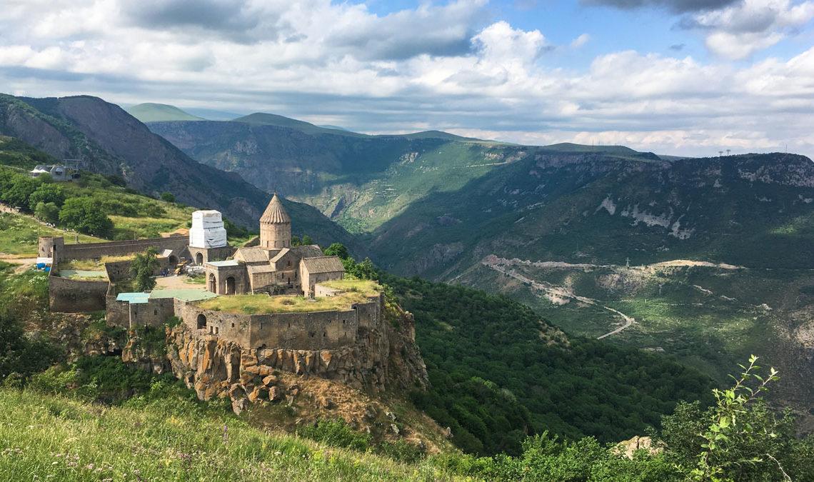 Армения и Азербайджан готовятся к войне