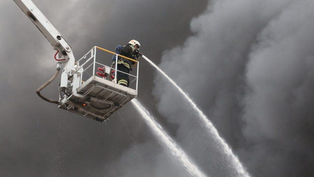 Большая часть пожара на складе в Сормовском районе ликвидирована