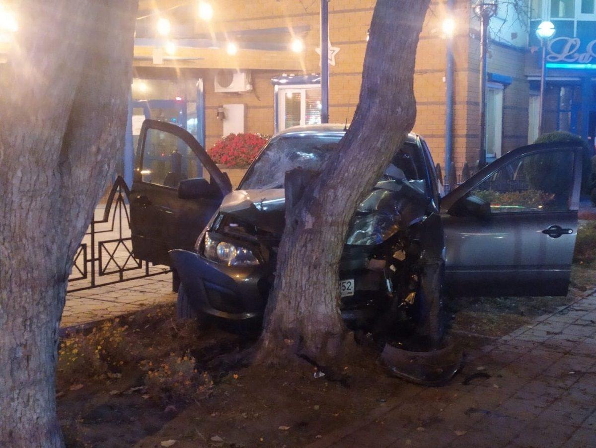 Автомобилист сбил ребенка на тротуаре в Кстове