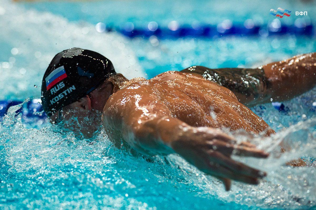 Золото чемпионата России покорилось нижегородскому пловцу Олегу Костину