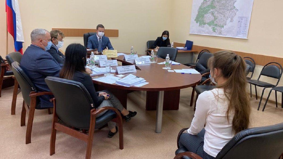 Сергей Морозов дал поручение провести ремонт 5,5км дороги врабочем поселке Шатки