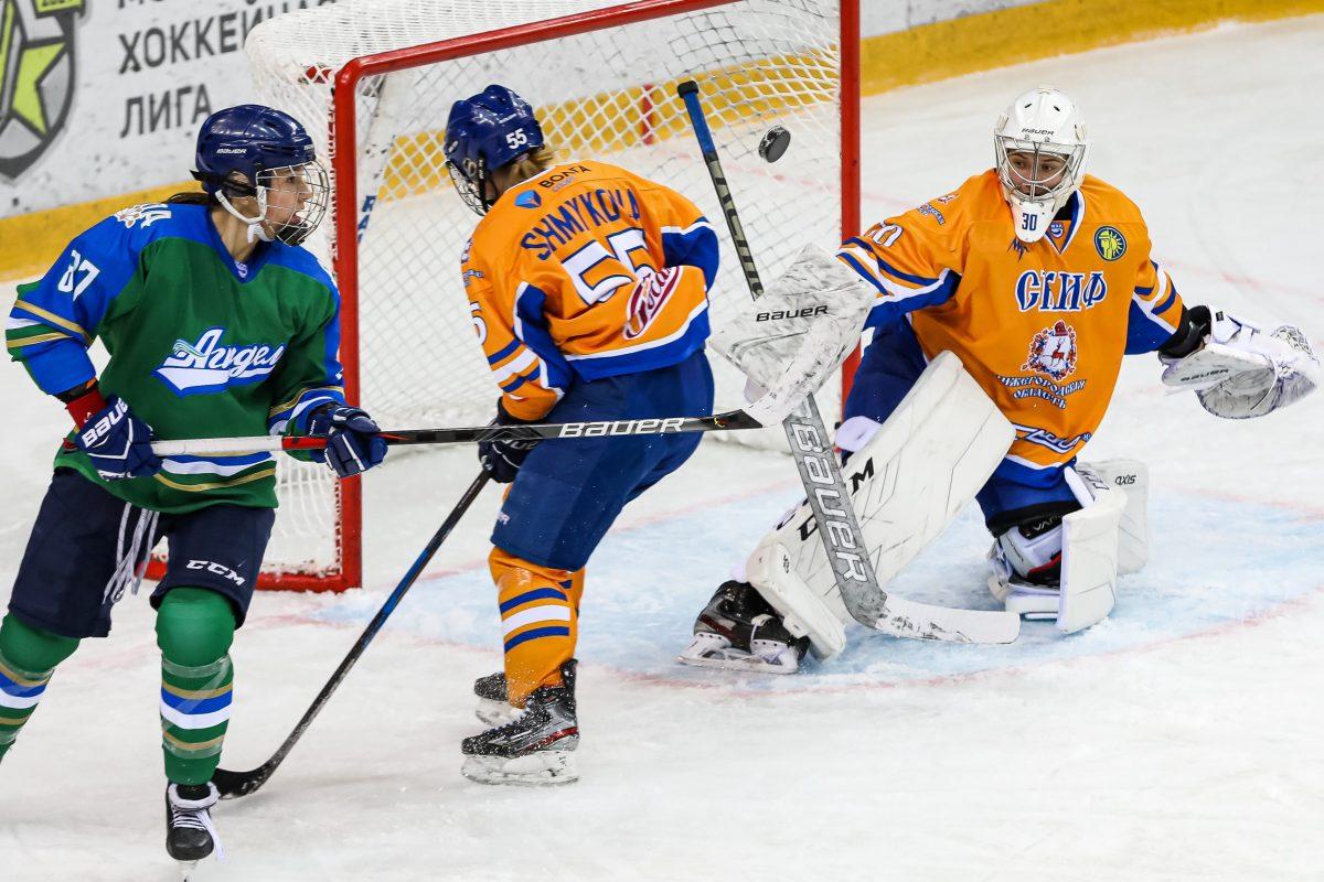Хоккеистки нижегородского клуба СКИФ одержали две победы на старте сезона