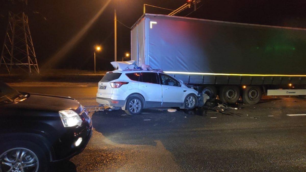 Водитель иномарки погиб, столкнувшись с фурой на трассе М7 в Нижегородской области