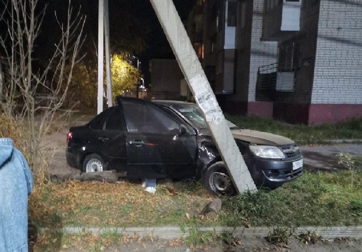 Водитель насмерть сбил пешехода, идущего по обочине в Балахне