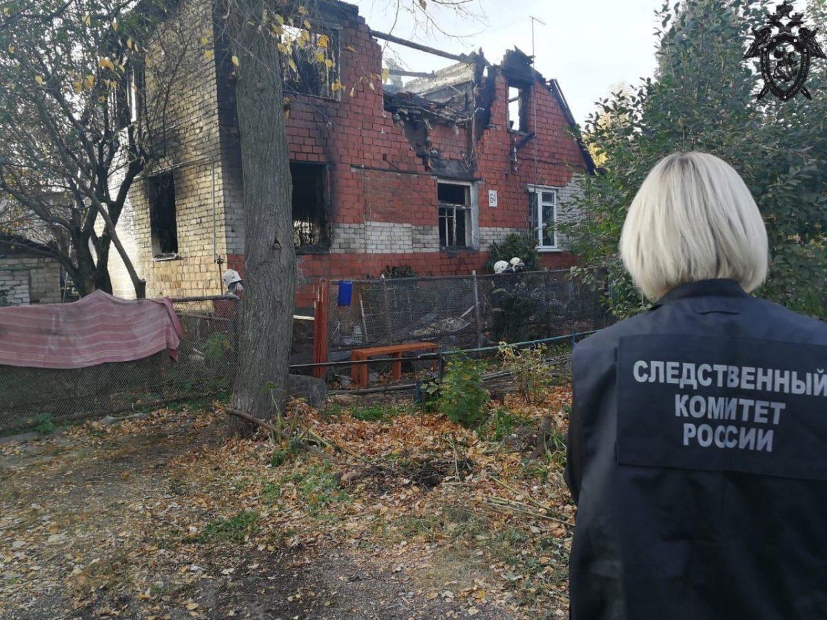 По факту гибели трех человек на пожаре в Советском районе возбуждено уголовное дело