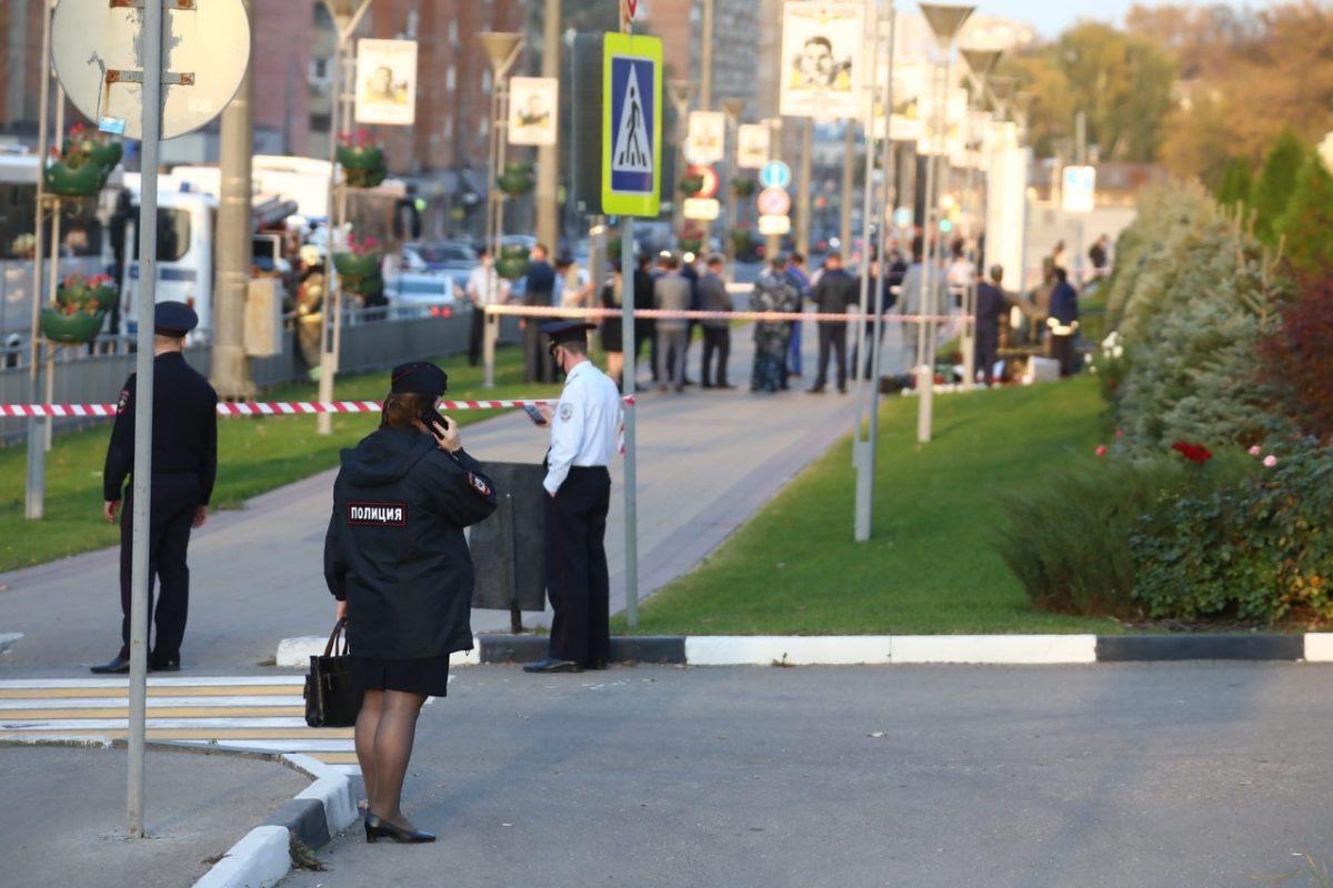 Следственный комитет подтвердил, что женщина, погибшая у здания областного ГУ МВД, журналист Ирина Славина