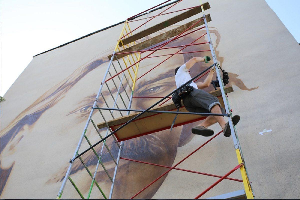 Лица города: граффити художник Алексей LexusOne рассказал о новом проекте с героями Нижнего Новгорода