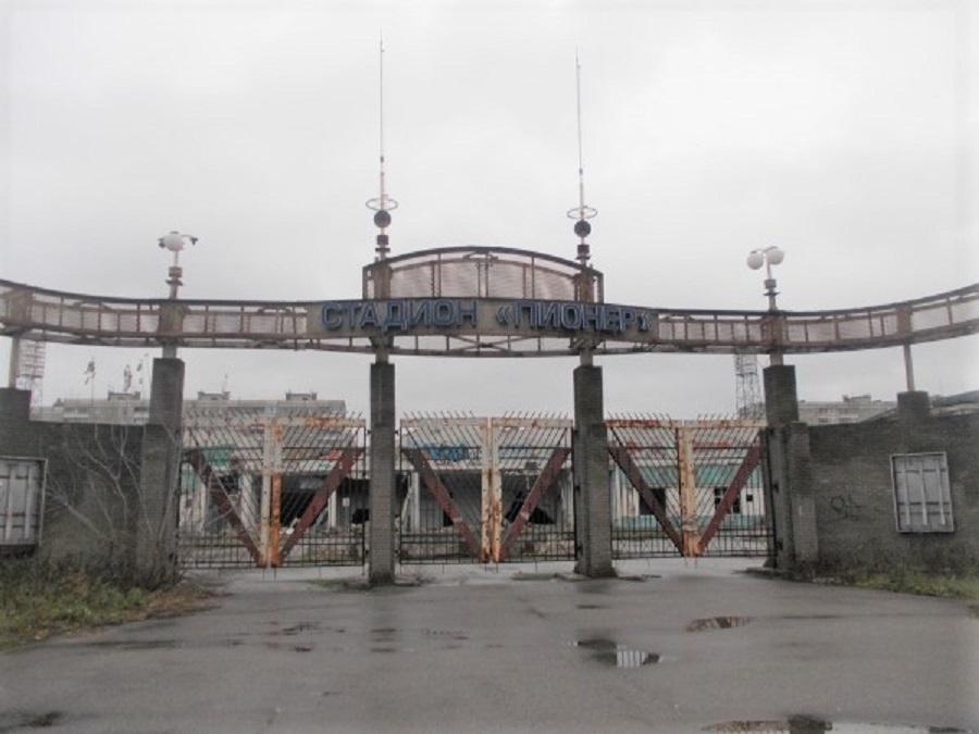 На месте полузаброшенного стадиона «Пионер» в Автозаводском районе появится спортивный комплекс