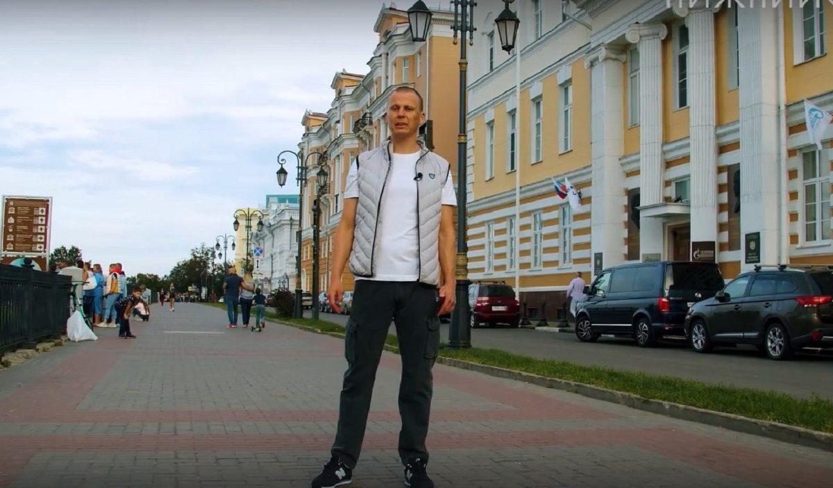 Знаменитый блогер Павел Перец снял новые выпуски экскурсий «Нижний с Перцем»