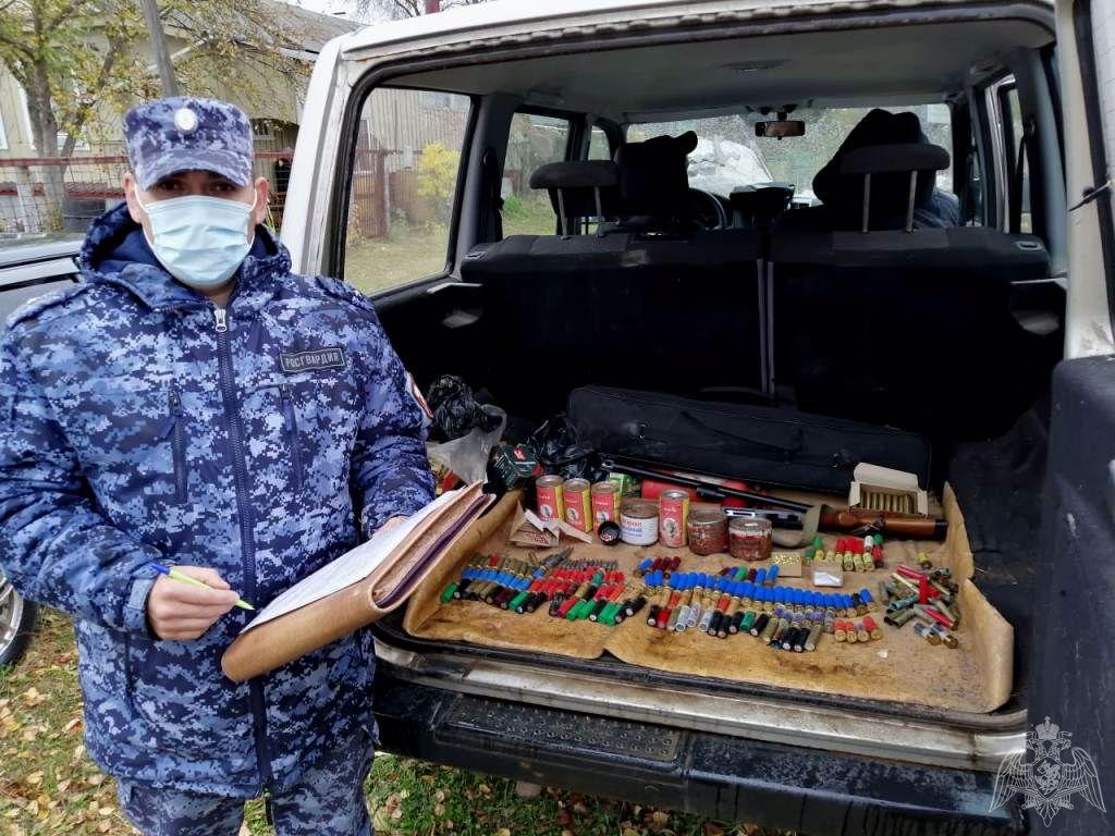 Охотничье ружье, патроны и порох незаконно хранила дома жительница Дивеева