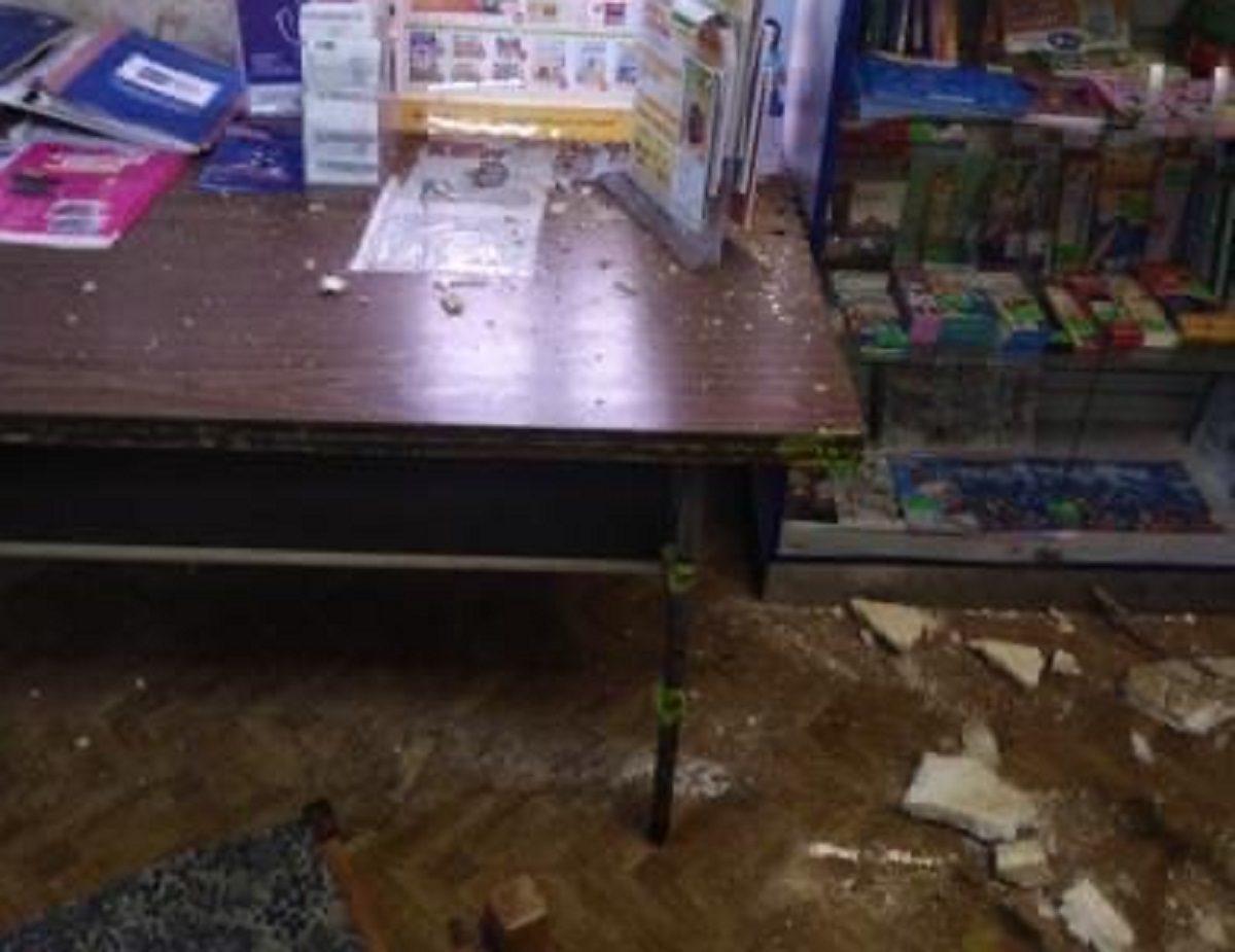 Потолок обрушился в отделении Почты России в Борском районе