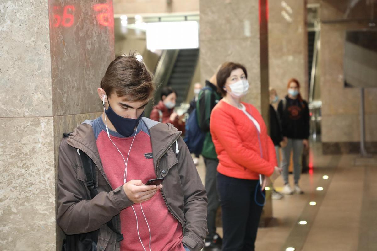 Маски в лифтах, ответственность бизнесменов и изоляция иностранцев: Глеб Никитин рассказал о новых изменениях в Указ о режиме повышенной готовности