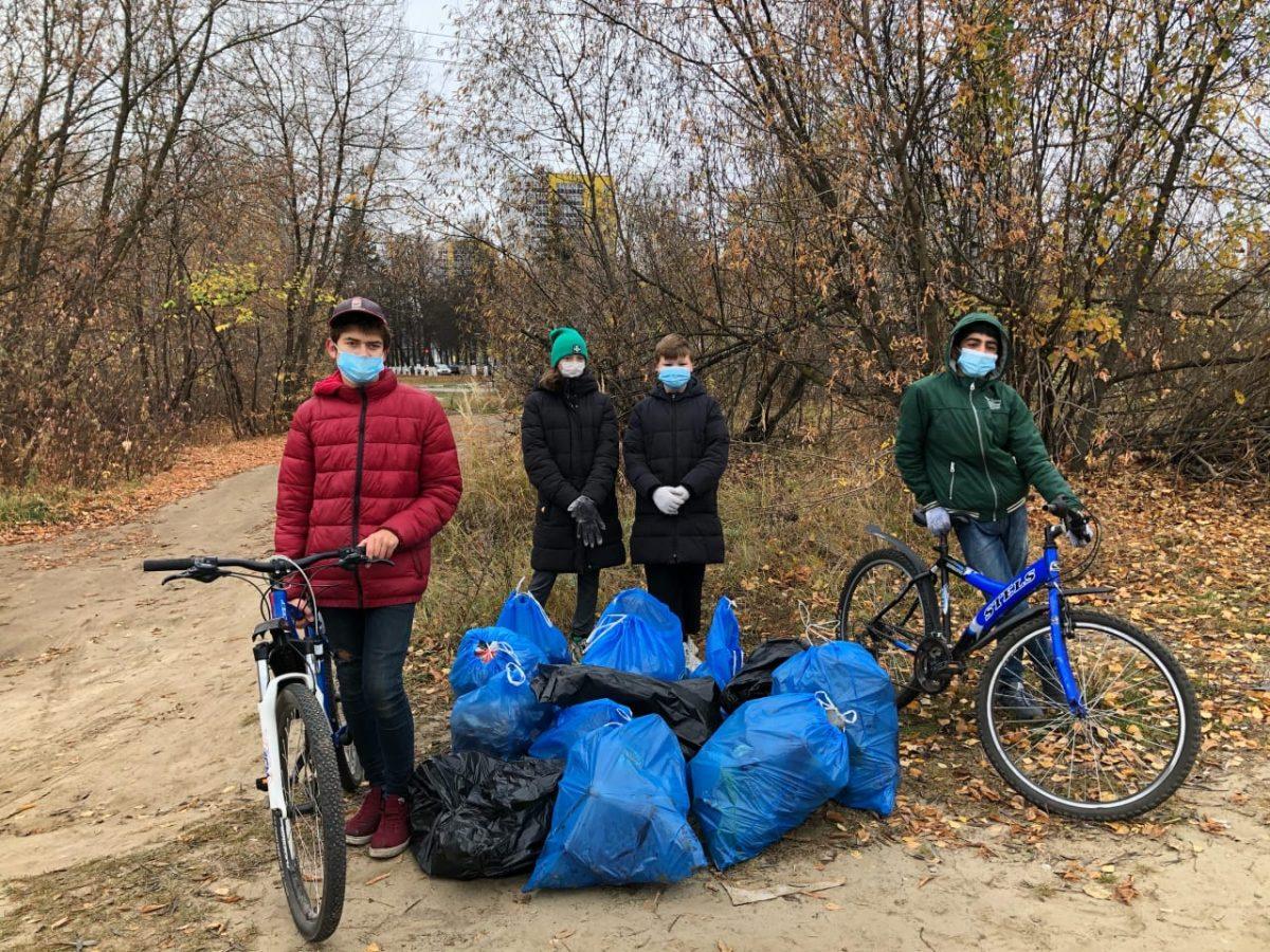 Участники велоплоггинга собрали более 30кг мусора вСормовском районе Нижнего Новгорода