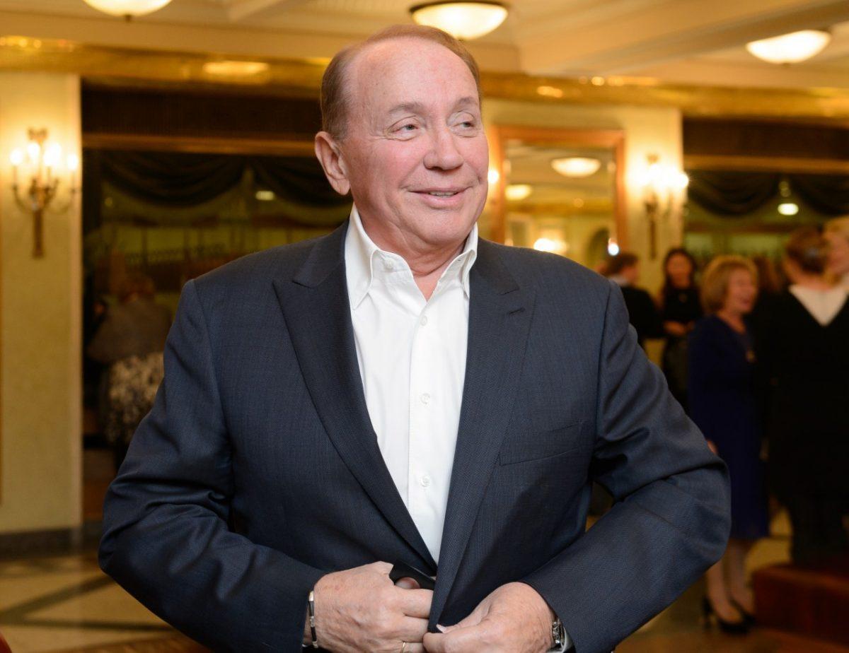 Александр Масляков продаёт права на компанию, выпускающую КВН