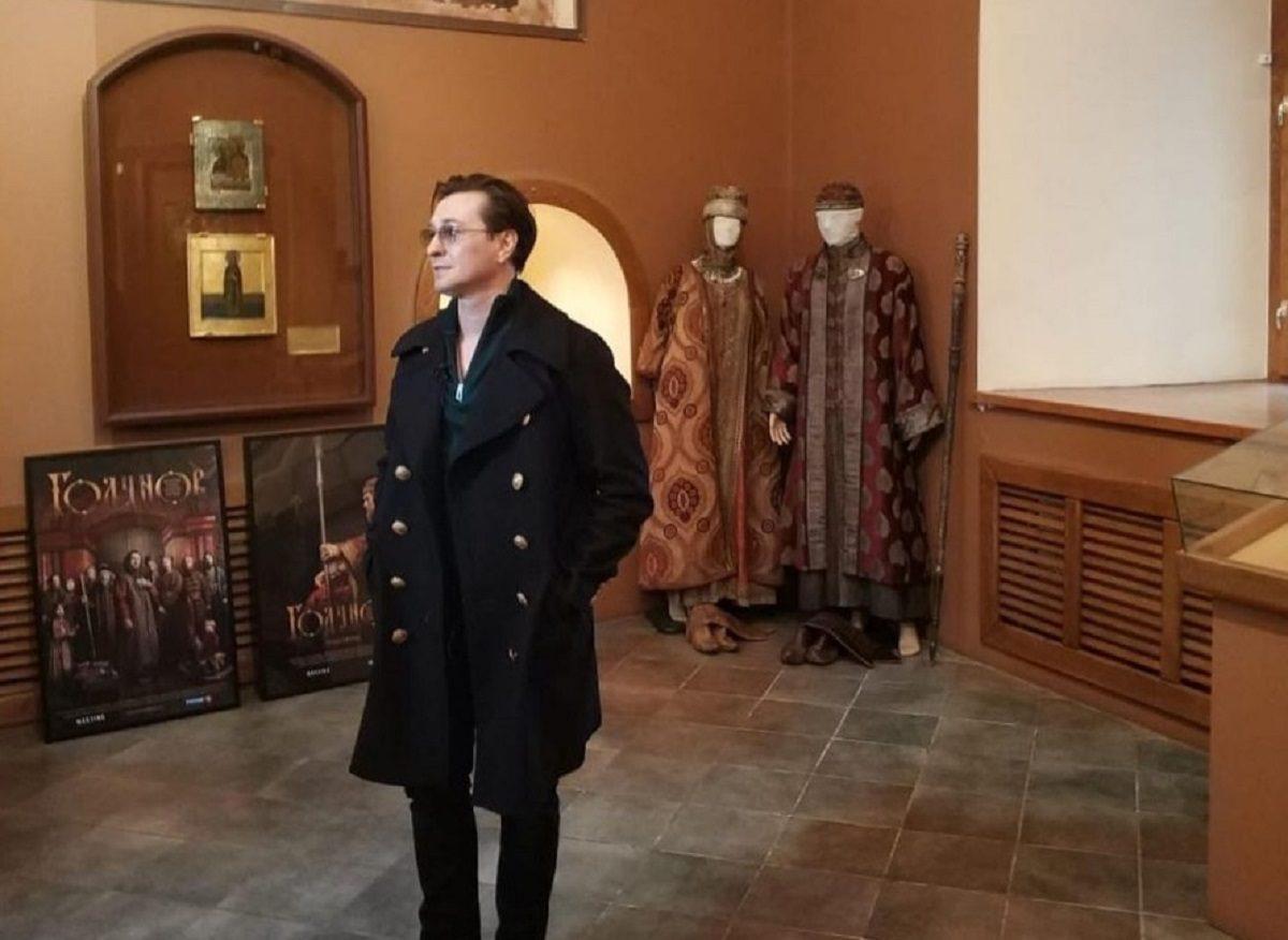 Царский подарок: Сергей Безруков передал в музей Ипатьевского монастыря костюмы из сериала «Борис Годунов»