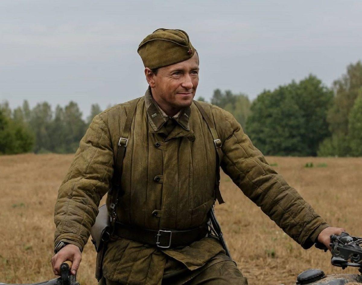 Сергей Безруков сыграл фронтового разведчика в фильме о войне