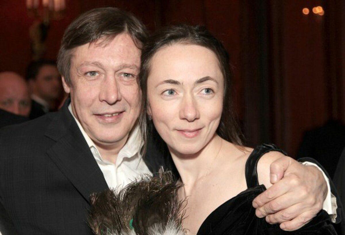 Правда или ложь: жена Михаила Ефремова подала на развод?