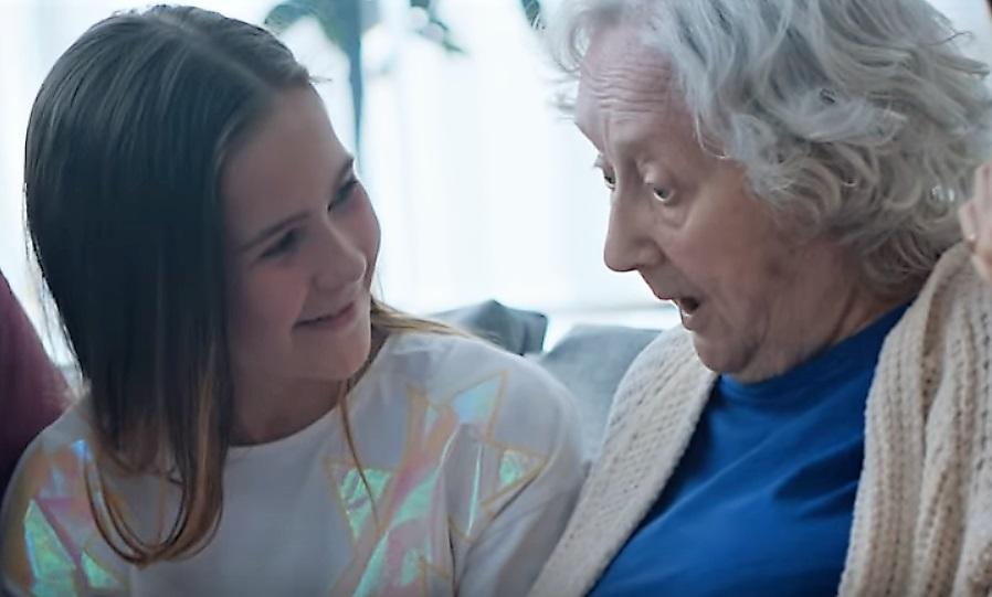 бабушка внучка пенсионер
