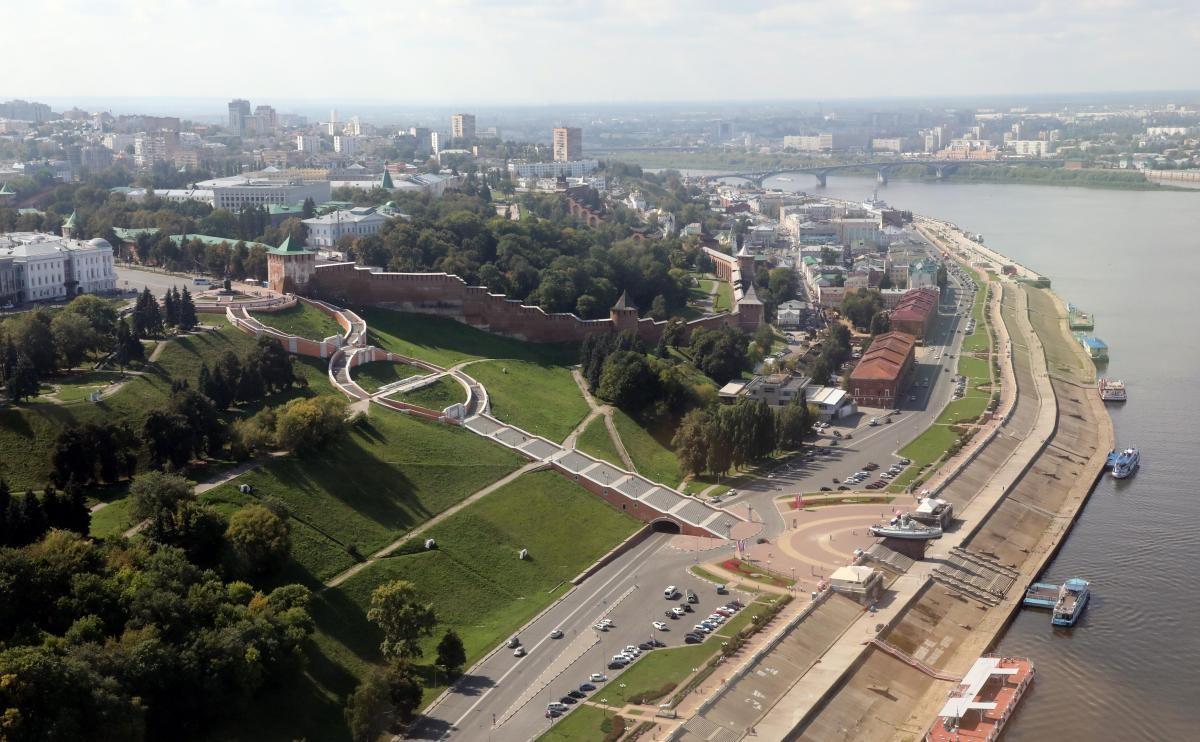 Любимая фотозона и самая большая восьмерка в стране: за что нижегородцы любят Чкаловскую лестницу