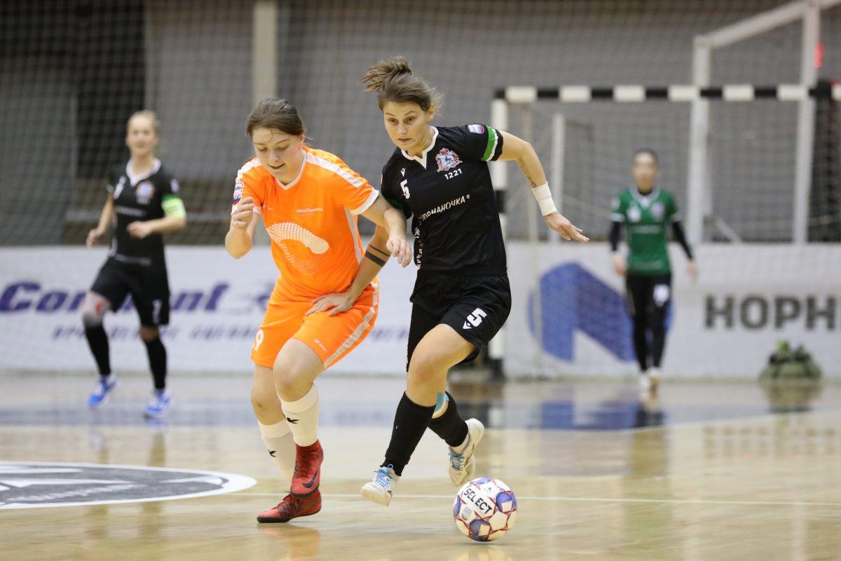 Футболистки «Норманочки» вышли в лидеры чемпионата страны