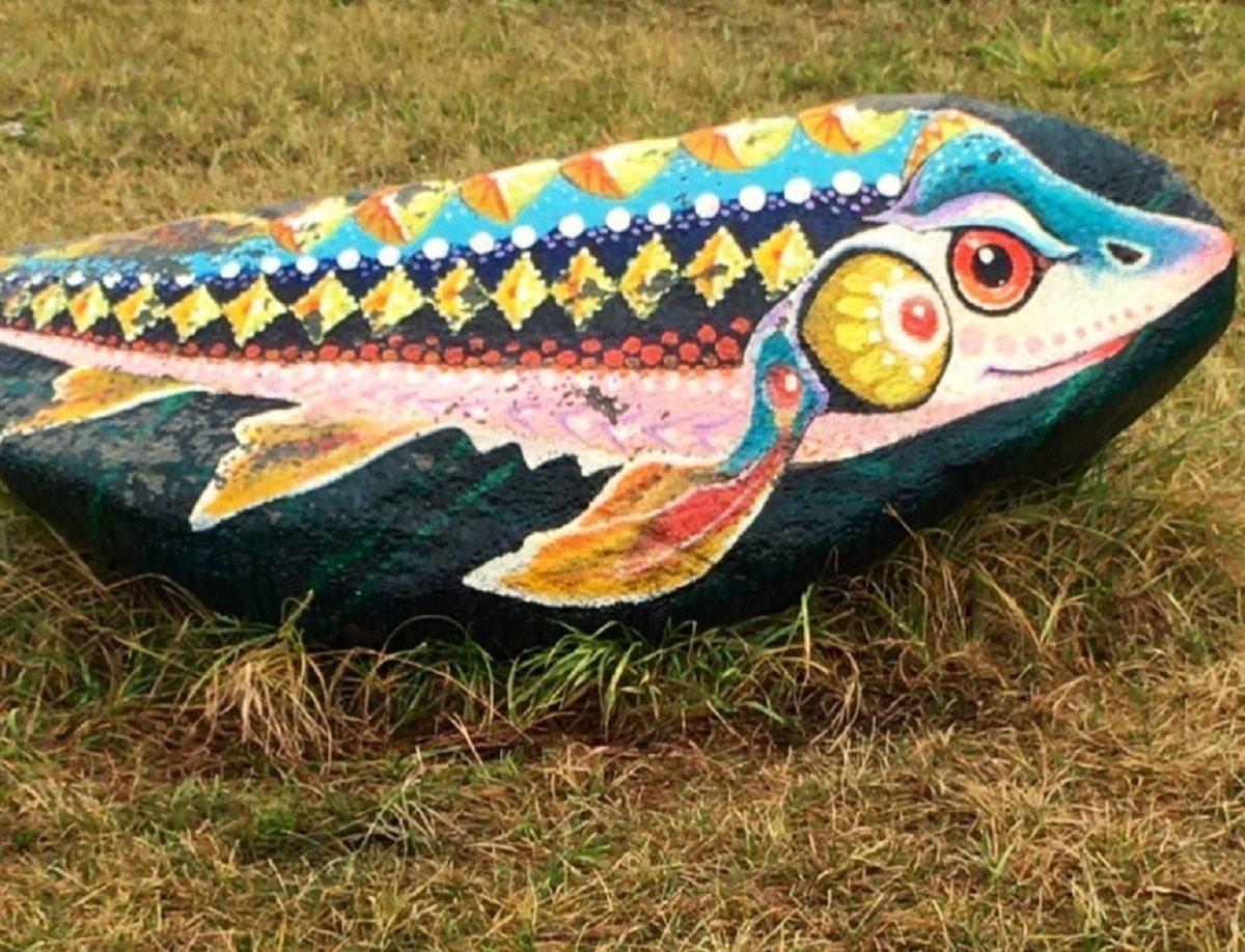 Художница из Сарова превратила камни на улице в арт-объект