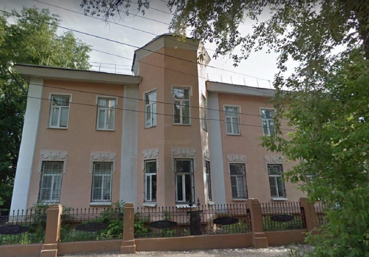 Старинную лепнину на Усадьбе Ненюковых в Нижнем Новгороде уничтожили во время несогласованного ремонта фасада