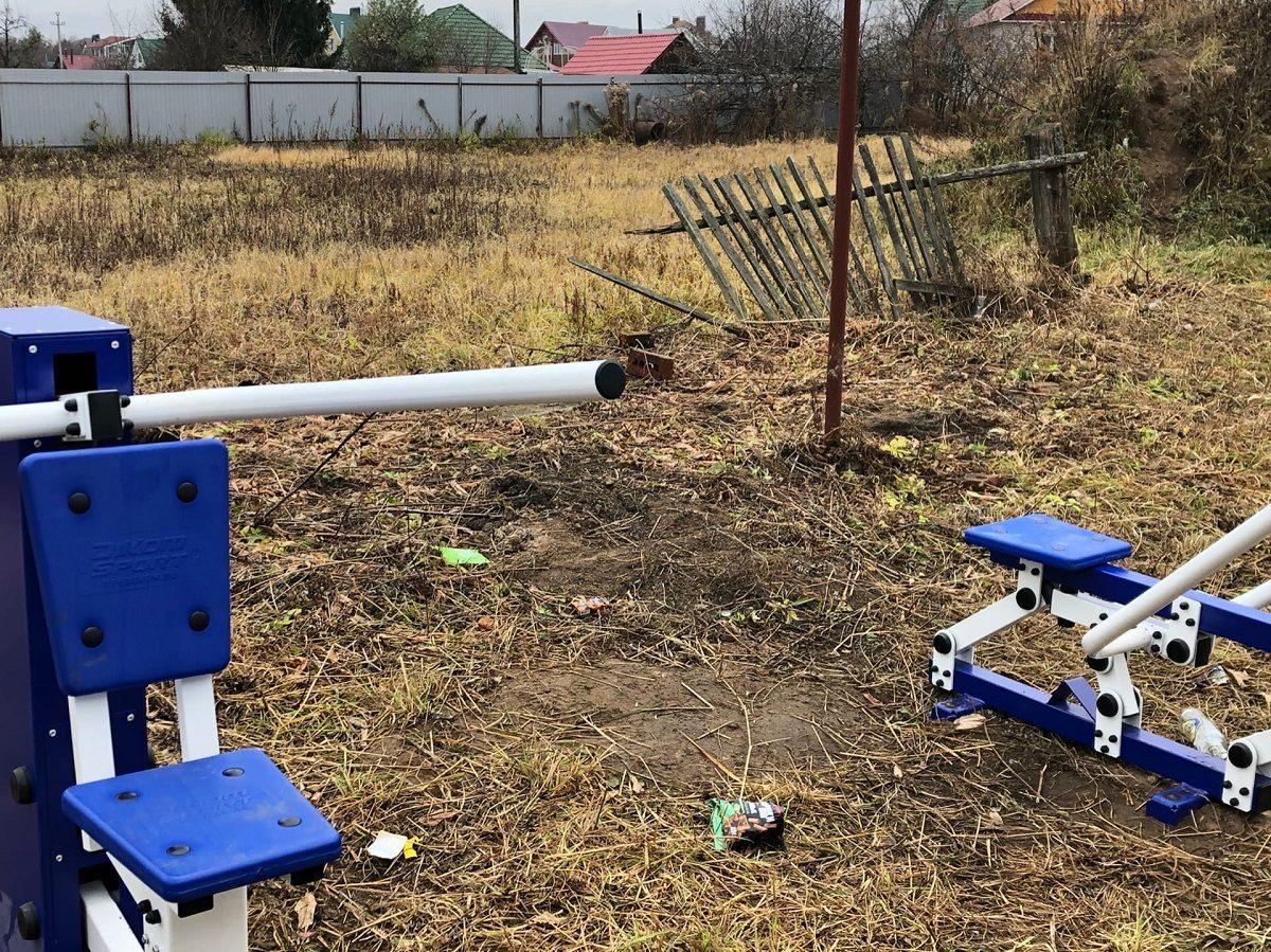 В Кстовском районе детскую площадку поставили на пустыре