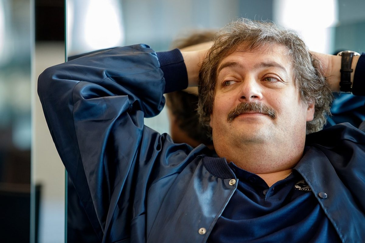 Писатель Дмитрий Быков стал отцом в третий раз
