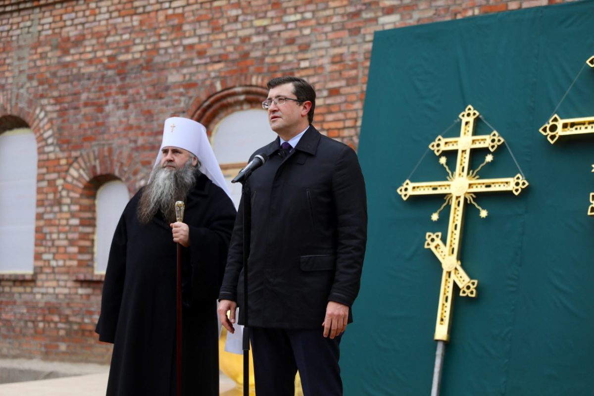Глеб Никитин принял участие вцеремонии поднятия куполов нахрам Симеона Столпника