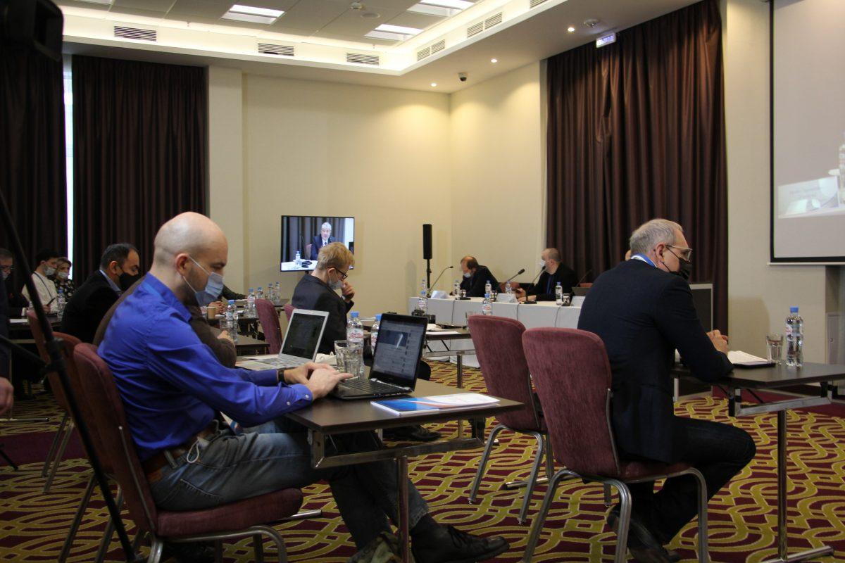 Борьба с фейками и проверка на финансовую прочность: журналисты обсудили новые вызовы на Международном медиафоруме в Нижнем Новгороде