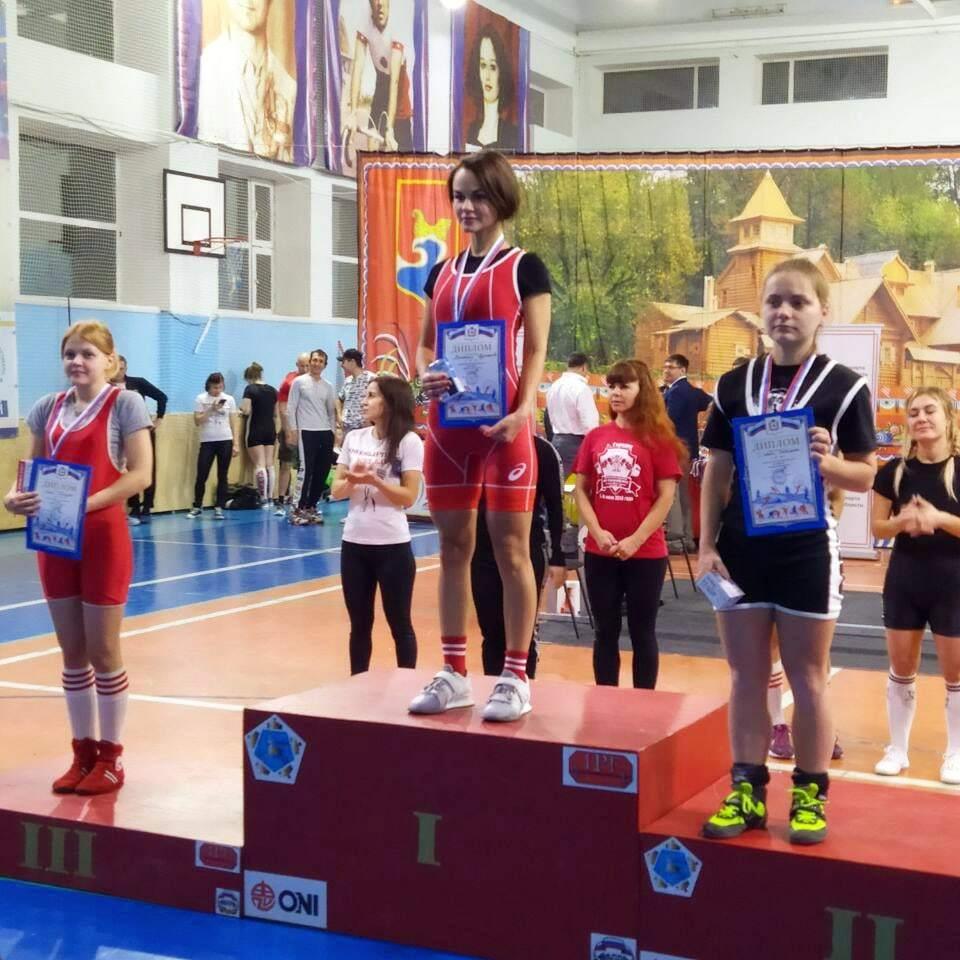 Девушка из Сарова стала второй на чемпионате Нижегородской области по пауэрлифтингу